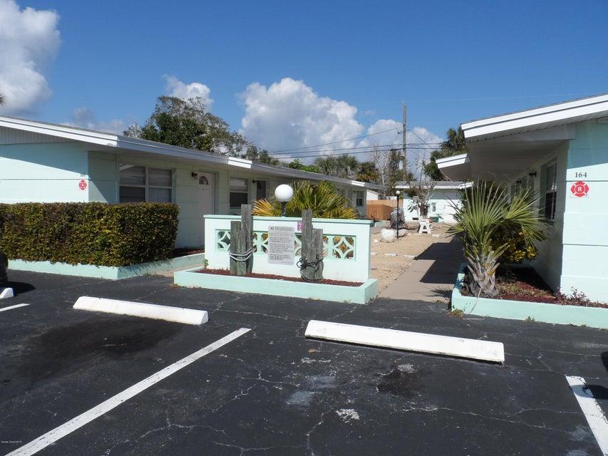 Vivienda multifamiliar por un Venta en 150 Johnson 150 Johnson Cape Canaveral, Florida 32920 Estados Unidos