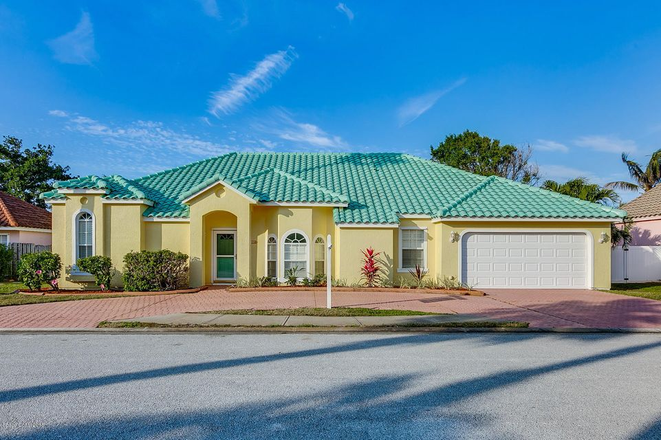 Single Family Home for Sale at 226 Seaview 226 Seaview Melbourne Beach, Florida 32951 United States