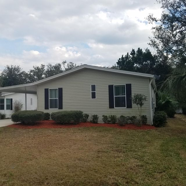 Casa Unifamiliar por un Venta en 333 Water Landing 333 Water Landing Oak Hill, Florida 32759 Estados Unidos