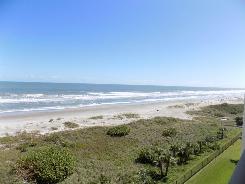 Casa para uma família para Locação às 1860 N Atlantic 1860 N Atlantic Cocoa Beach, Florida 32931 Estados Unidos