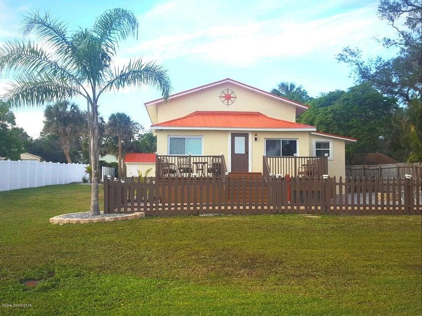 独户住宅 为 销售 在 1309 NE Braun 1309 NE Braun Palm Bay, 佛罗里达州 32905 美国