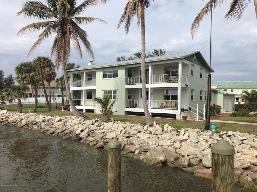 Maison unifamiliale pour l Vente à 800 Oak Ridge 800 Oak Ridge Indialantic, Florida 32903 États-Unis
