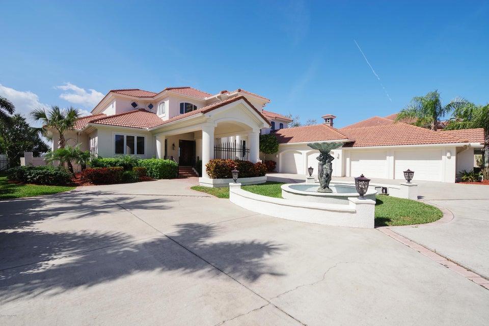 Nhà ở một gia đình vì Bán tại 125 Lansing Island 125 Lansing Island Indian Harbour Beach, Florida 32937 Hoa Kỳ