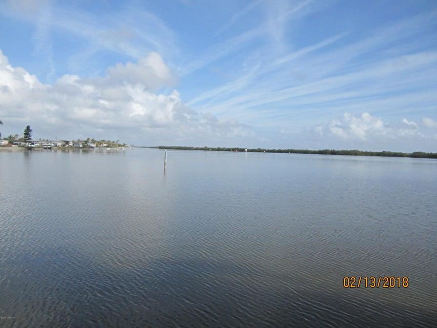 단독 가정 주택 용 임대 에 560 Paula 560 Paula Merritt Island, 플로리다 32953 미국