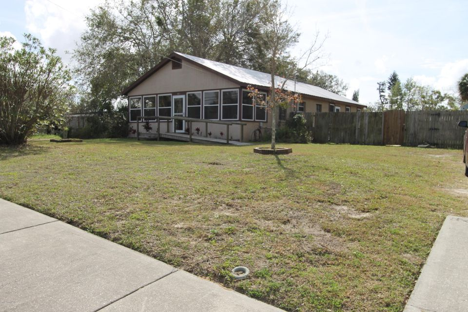 415 Canaveral Groves Boulevard