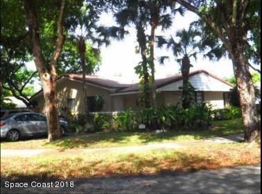 獨棟家庭住宅 為 出售 在 15460 Durnford 15460 Durnford Hialeah, 佛羅里達州 33012 美國