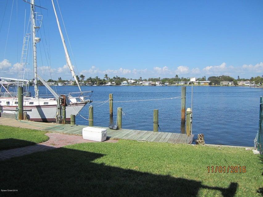Частный односемейный дом для того Аренда на 416 S Waterway 416 S Waterway Satellite Beach, Флорида 32937 Соединенные Штаты