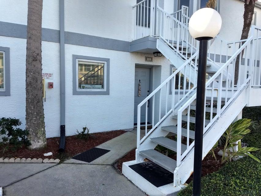 Nhà ở một gia đình vì Thuê tại 209 Ocean Park 209 Ocean Park Cape Canaveral, Florida 32920 Hoa Kỳ