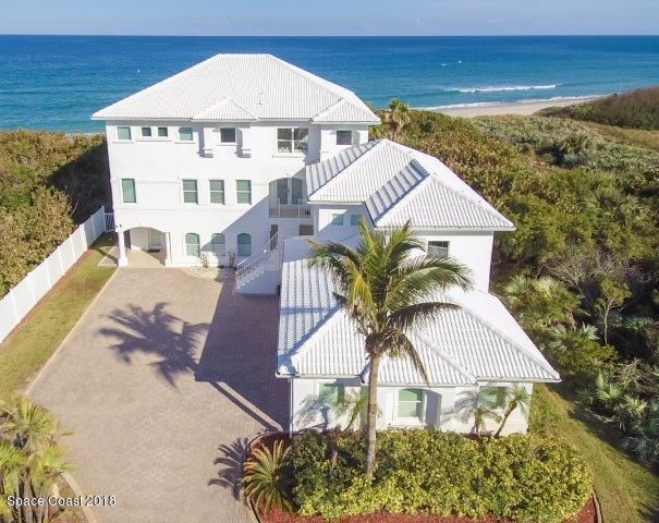 Single Family Home for Sale at 5745 S A1a 5745 S A1a Melbourne Beach, Florida 32951 United States