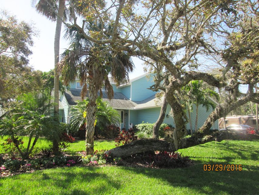 Single Family Home for Sale at 255 Cardinal 255 Cardinal Melbourne Beach, Florida 32951 United States