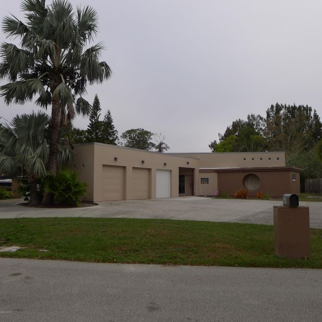 Casa para uma família para Venda às 8426 Sylvan 8426 Sylvan West Melbourne, Florida 32904 Estados Unidos