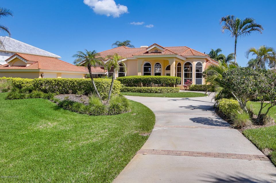 Maison unifamiliale pour l Vente à 108 Lansing Island 108 Lansing Island Indian Harbour Beach, Florida 32937 États-Unis