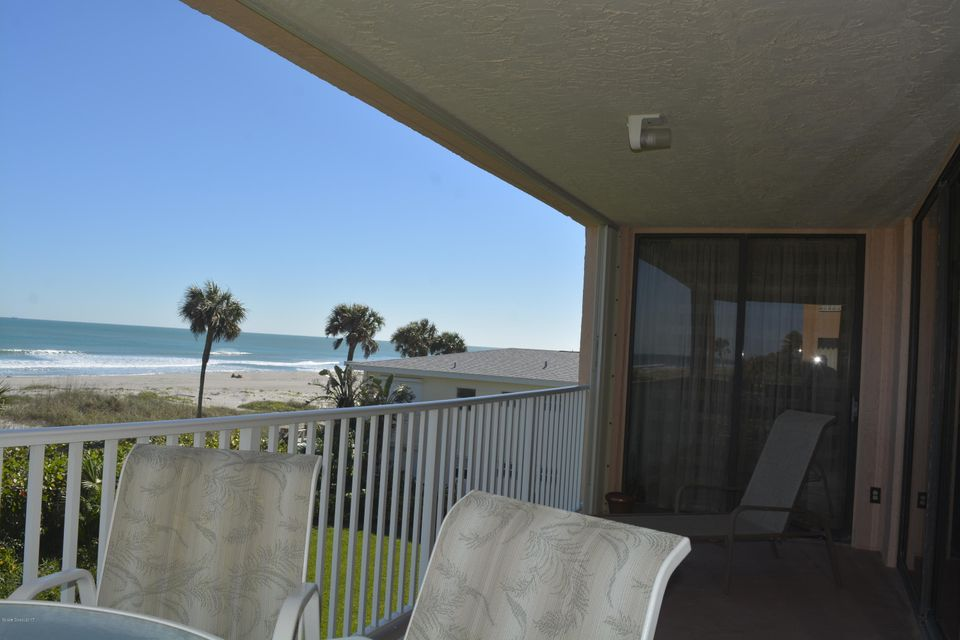 Additional photo for property listing at 1527 S Atlantic 1527 S Atlantic Cocoa Beach, Florida 32931 Stati Uniti