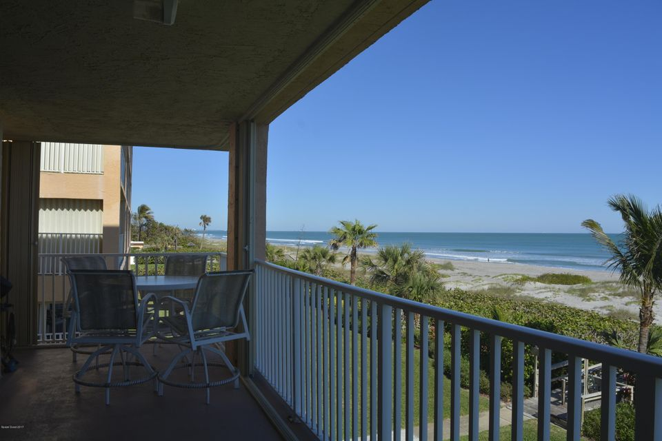 Additional photo for property listing at 1527 S Atlantic 1527 S Atlantic Cocoa Beach, Florida 32931 Hoa Kỳ