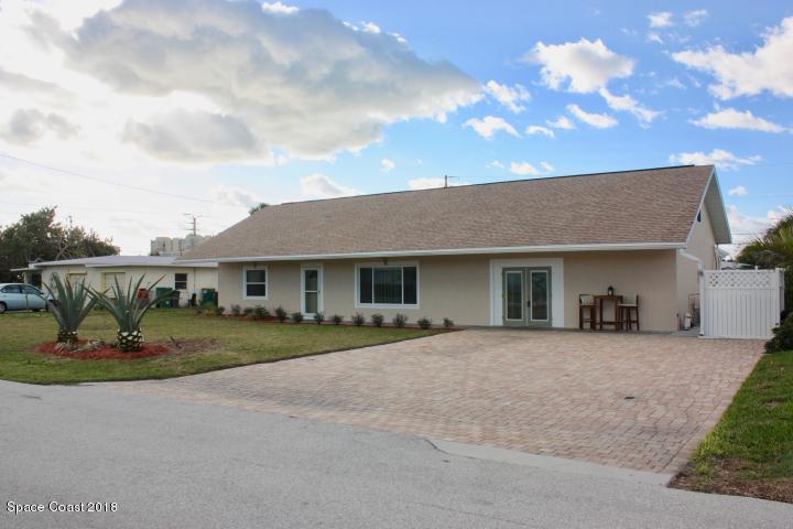 Casa para uma família para Locação às 147 E Pasco 147 E Pasco Cocoa Beach, Florida 32931 Estados Unidos