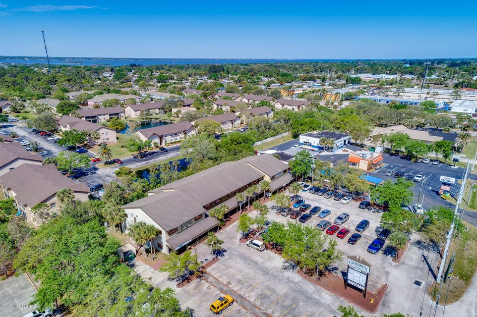 Comercial para Arrendamento às 2425 N Courtenay 2425 N Courtenay Merritt Island, Florida 32953 Estados Unidos
