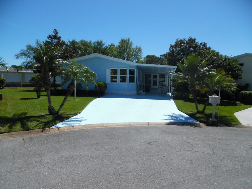 Maison unifamiliale pour l Vente à 206 Cobia 206 Cobia Barefoot Bay, Florida 32976 États-Unis