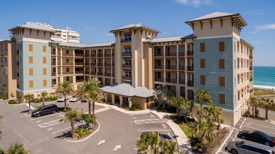 Maison unifamiliale pour l Vente à 755 N Highway A1a 755 N Highway A1a Indialantic, Florida 32903 États-Unis