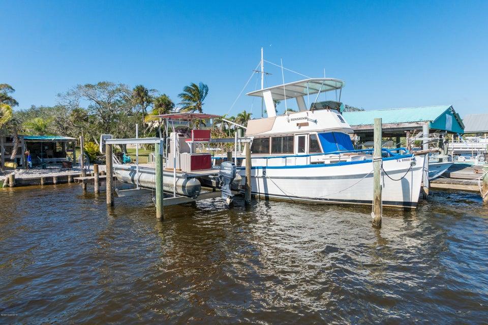 Nhà ở một gia đình vì Bán tại 9660 Riverview 9660 Riverview Micco, Florida 32976 Hoa Kỳ