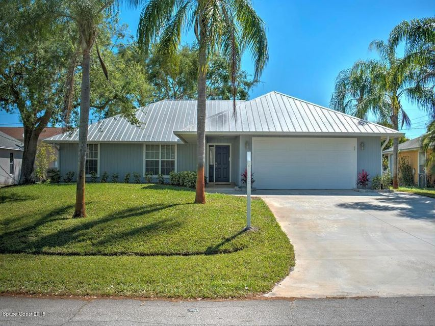 Single Family Home for Sale at 2325 SE Maize 2325 SE Maize Port St. Lucie, Florida 34952 United States