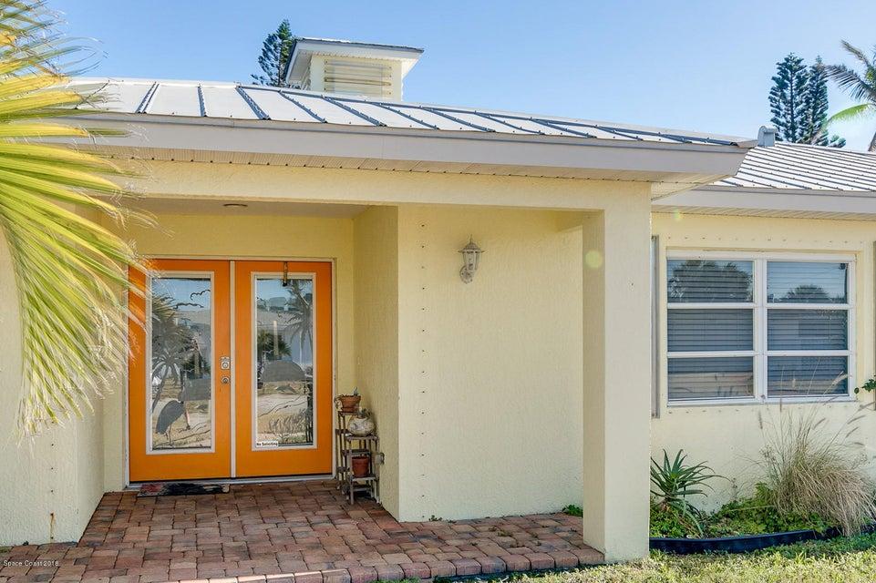 Maison unifamiliale pour l Vente à 194 Eden 194 Eden Satellite Beach, Florida 32937 États-Unis