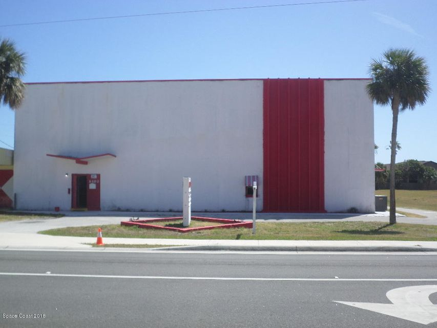 Commercial pour l Vente à 8580 N Atlantic Avenue 8580 N Atlantic Avenue Cape Canaveral, Florida 32920 États-Unis