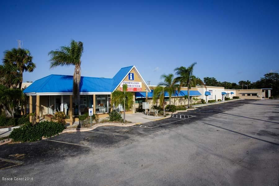 Commercial pour l Vente à 7191 N Atlantic Avenue 7191 N Atlantic Avenue Cape Canaveral, Florida 32920 États-Unis