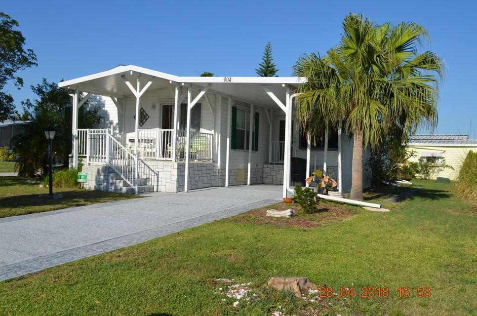 Single Family Home for Sale at 904 Bird 904 Bird Barefoot Bay, Florida 32976 United States