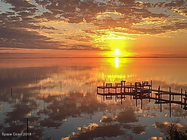 Einfamilienhaus für Verkauf beim 5087 Riveredge 5087 Riveredge Titusville, Florida 32780 Vereinigte Staaten