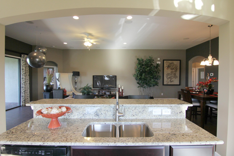 獨棟家庭住宅 為 出售 在 3390 Salt Marsh 3390 Salt Marsh West Melbourne, 佛羅里達州 32904 美國