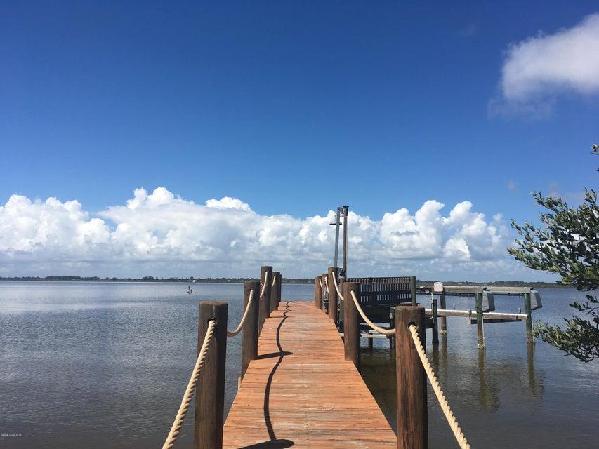 Частный односемейный дом для того Аренда на 1467 Newfound Harbor 1467 Newfound Harbor Merritt Island, Флорида 32952 Соединенные Штаты