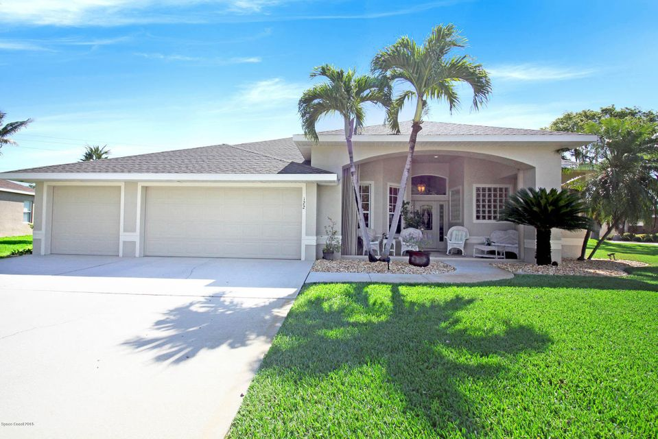 Villa per Vendita alle ore 122 Windward 122 Windward Indian Harbour Beach, Florida 32937 Stati Uniti
