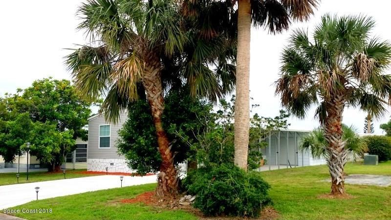 Single Family Home for Sale at 909 Hawthorn 909 Hawthorn Barefoot Bay, Florida 32976 United States