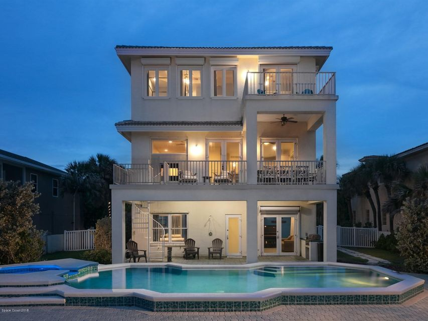 Casa Unifamiliar por un Venta en 735 Beach 735 Beach Satellite Beach, Florida 32937 Estados Unidos