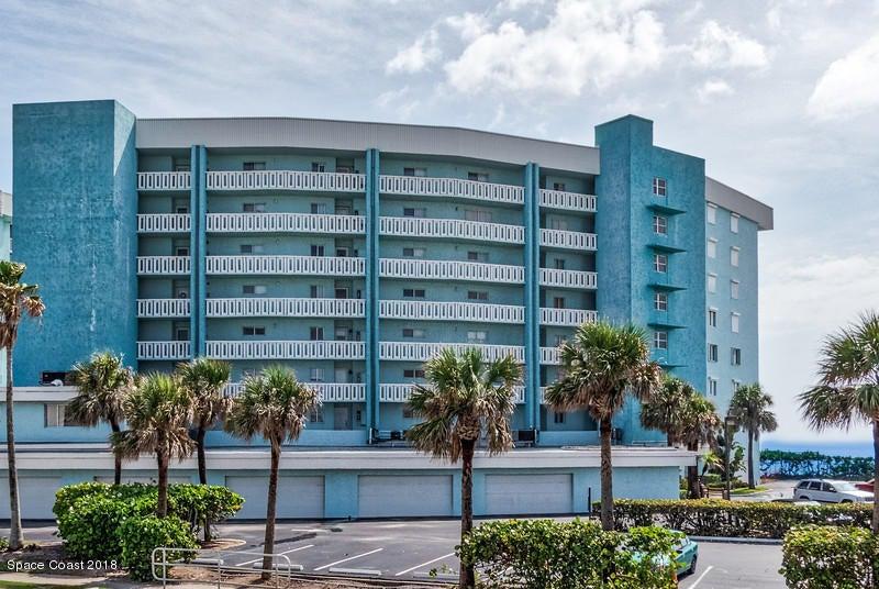 Maison unifamiliale pour l Vente à 1175 Highway A1a 1175 Highway A1a Satellite Beach, Florida 32937 États-Unis