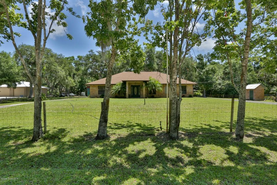 Single Family Home for Sale at 4641 Shady Oaks 4641 Shady Oaks Edgewater, Florida 32141 United States