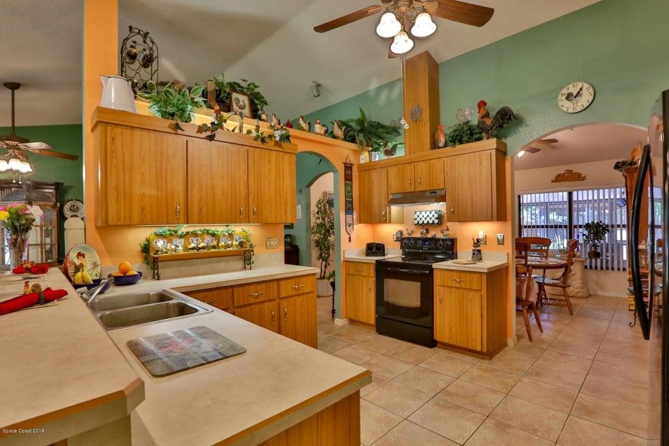 Additional photo for property listing at 4641 Shady Oaks 4641 Shady Oaks Edgewater, Florida 32141 États-Unis