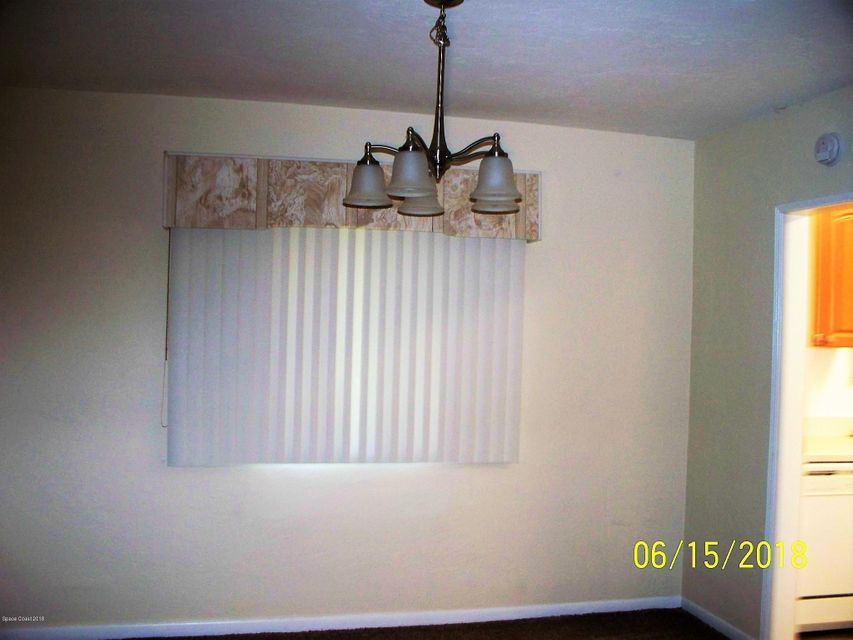 Additional photo for property listing at 1580 1/2 S Atlantic 1580 1/2 S Atlantic Cocoa Beach, Florida 32931 Vereinigte Staaten