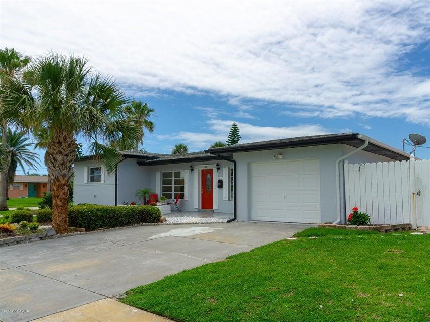 Maison unifamiliale pour l Vente à 548 Holly 548 Holly Satellite Beach, Florida 32937 États-Unis