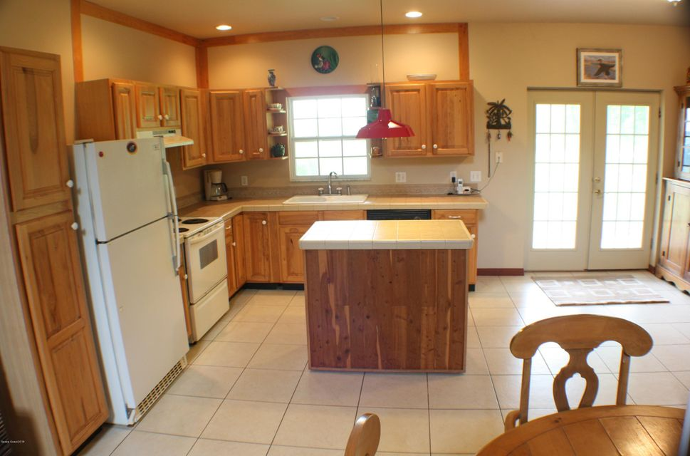 Additional photo for property listing at 320 Palm 320 Palm Oak Hill, Florida 32759 Usa
