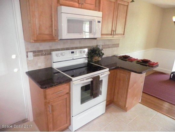 Additional photo for property listing at 2125 Emerald 2125 Emerald Merritt Island, Florida 32953 Stati Uniti