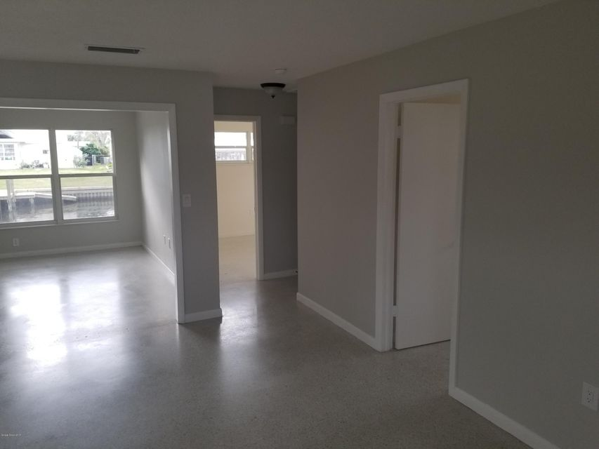 Additional photo for property listing at 1375 Plum 1375 Plum Merritt Island, Florida 32952 Estados Unidos