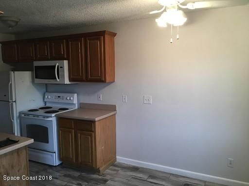 Additional photo for property listing at 1870 Agora 1870 Agora Palm Bay, Florida 32909 États-Unis