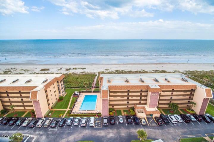 Casa para uma família para Locação às 8498 Ridgewood 8498 Ridgewood Cape Canaveral, Florida 32920 Estados Unidos