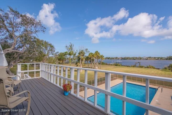 Casa para uma família para Venda às 9852 Riverview 9852 Riverview Micco, Florida 32976 Estados Unidos