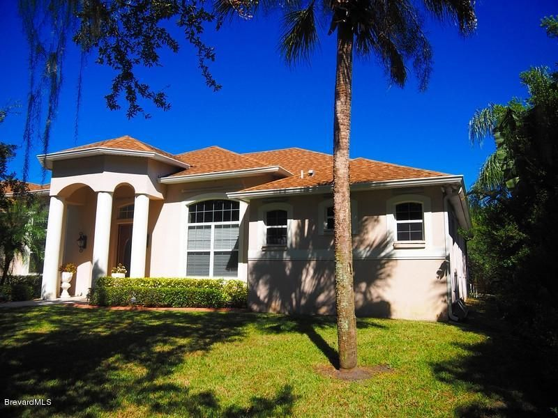 Частный односемейный дом для того Аренда на 830 E Hall 830 E Hall Merritt Island, Флорида 32953 Соединенные Штаты