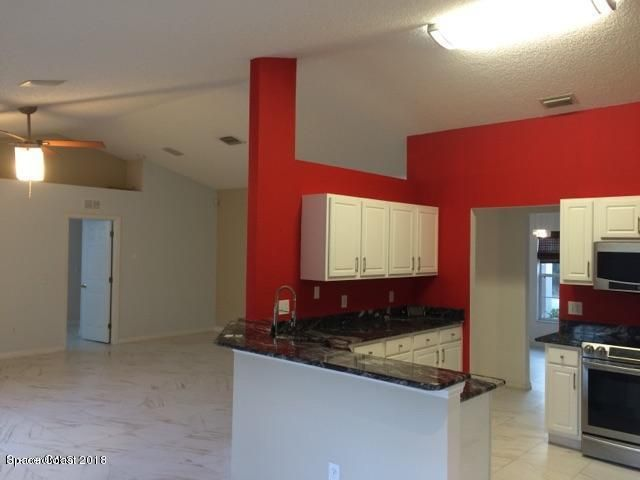 Additional photo for property listing at 1141 SE Commerce 1141 SE Commerce Palm Bay, Florida 32909 Vereinigte Staaten