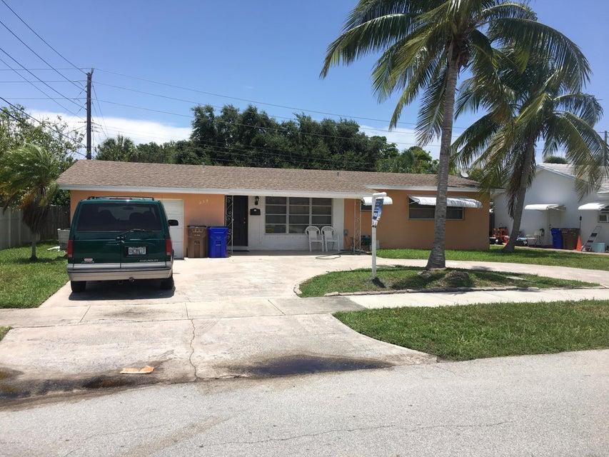 Enfamiljshus för Försäljning vid 219 SE 11th 219 SE 11th Deerfield Beach, Florida 33442 Usa