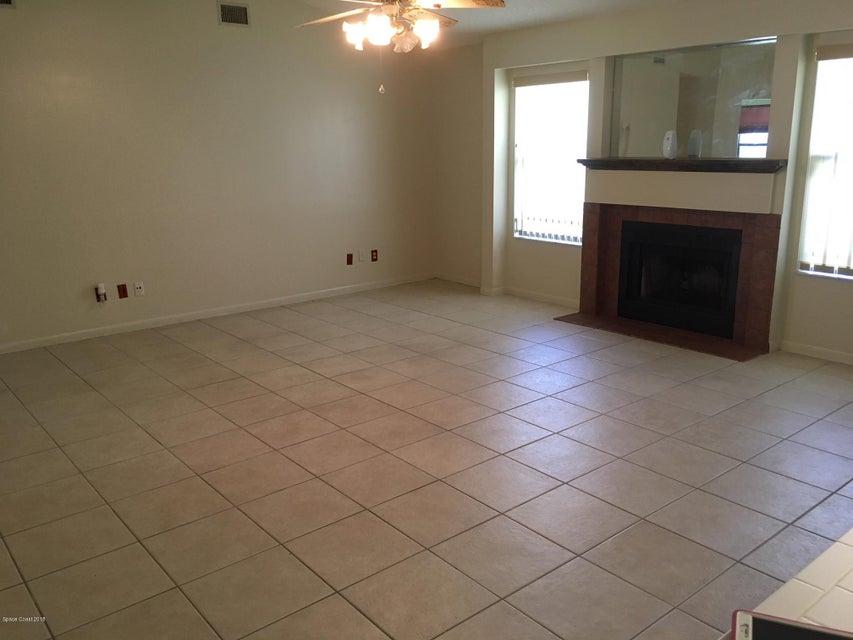 Additional photo for property listing at 821 Niagara 821 Niagara Palm Bay, Florida 32907 Verenigde Staten