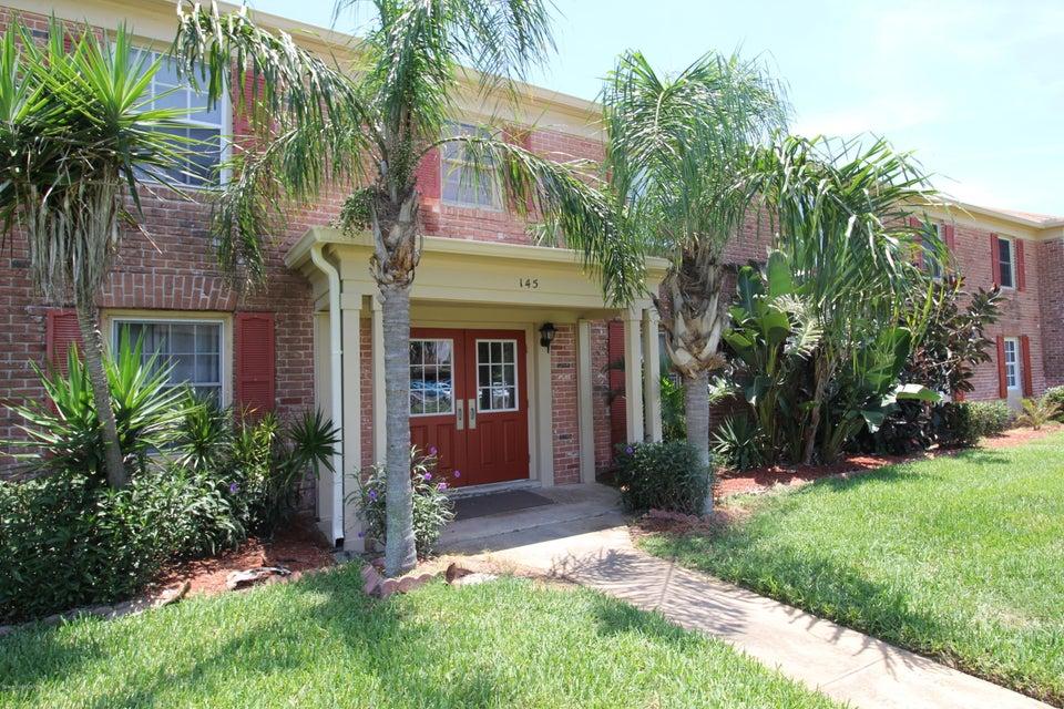 Villa per Affitto alle ore 145 E Colonial 145 E Colonial Indian Harbour Beach, Florida 32937 Stati Uniti
